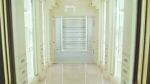 carries-new-closet-1-511x288