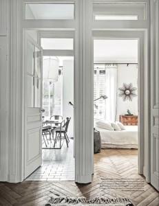 Etc-Inspiration-Blog-Chic-amp-Charming-Apartment-In-Paris-Via-Living-Inside-Hallway